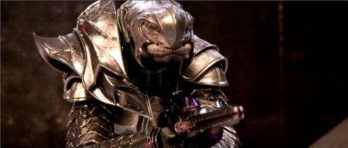 Thel 'Vadam, dans son armure d'Arbiter
